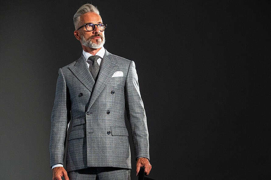 Looking the Part - How to Dress Like a Leader in the Workplace2